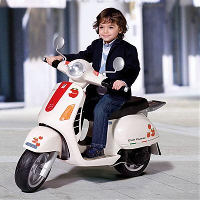Motocicleta Vespa 12V de la Peg Perego
