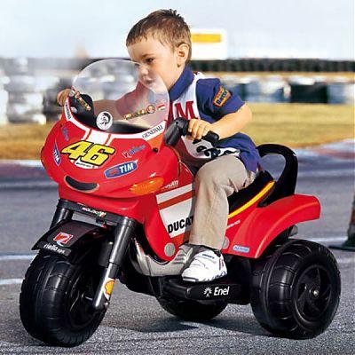 Motocicleta Ducati Desmosedici de la Peg Perego
